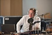 Alexander Schmidt von moderierte die gesamte kreatikon als Live-Sendung bei DWGradio. Ein Sportgeräteraum wurde kurzerhand zum Studio umfunktioniert.
